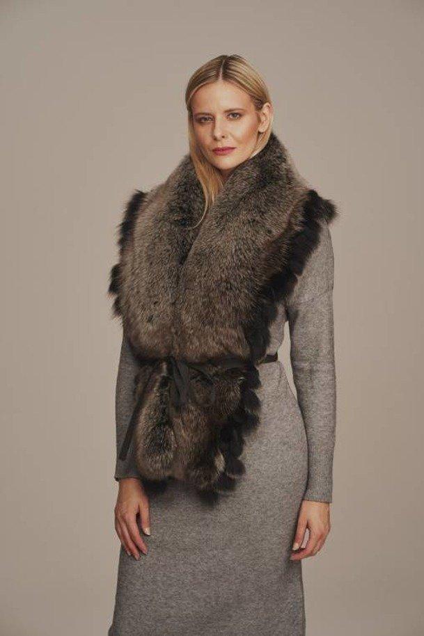 Real fox fur collar