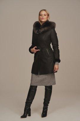 Saueskinnskåpe dame - Lammepels frakke