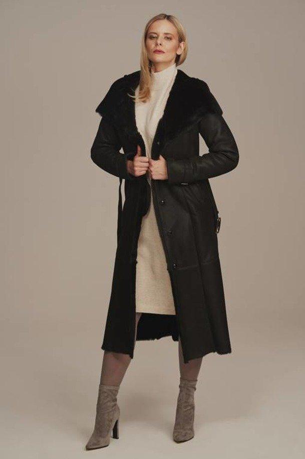 Płaszcz kożuch damski z kapturem - Czarny płaszcz zimowy taliowany