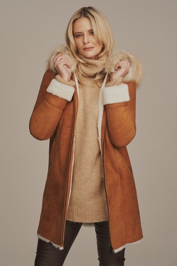 Płaszcz zimowy damski z kapturem z lisa