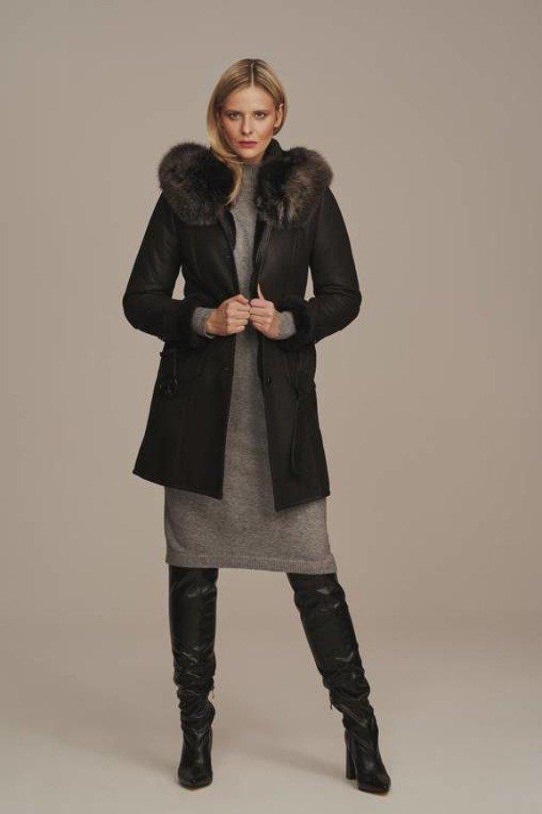 Dámska zimná bunda s kapucňou, čierna