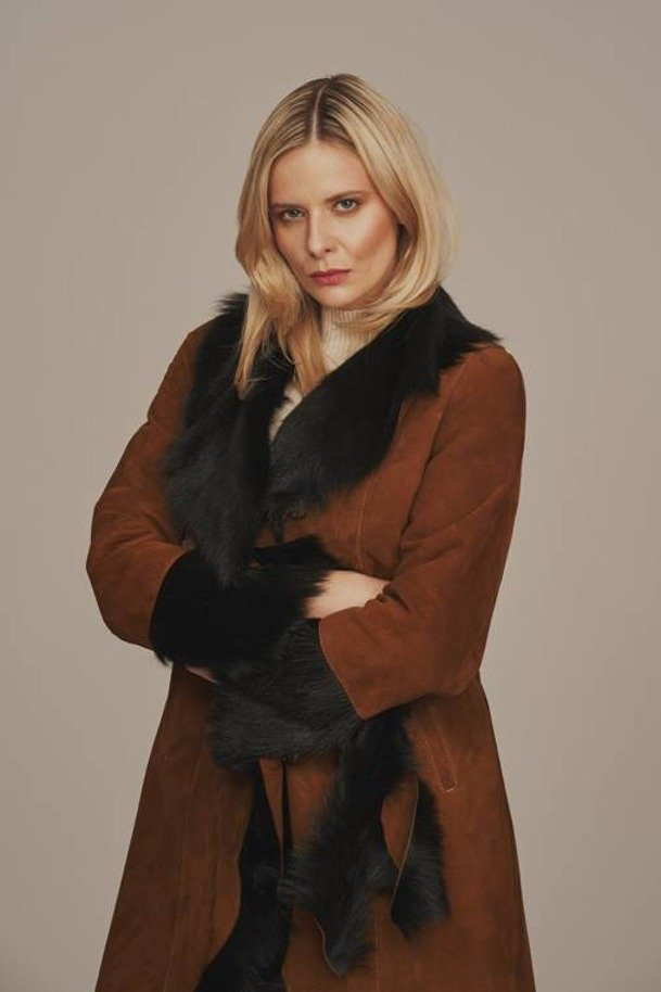 Dámsky zimný kabát z ovčej kože
